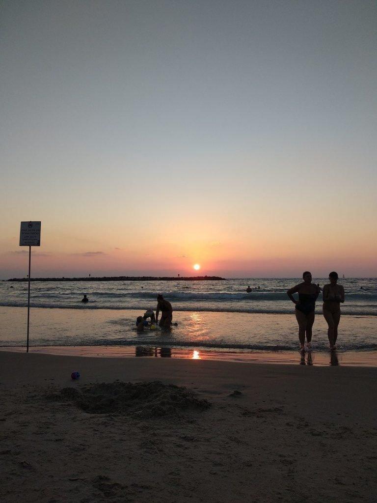 praia fim de tarde telavive